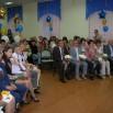 Фарит Набиуллин (первый ряд, второй слева) среди приглашённых на торжественное мероприятие гостей и директор школы Светлана Колпакова (вторая справа).JPG