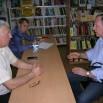 Житель посёлка Первомайского, Владимир Николаевич, рассказывает депутатам о проблемах ул. Зелёная.JPG
