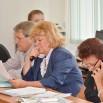 Комиссии под председательством Татьяны Артемьевой рассматривают один из вопросов повестки.JPG