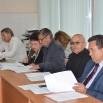 Депутаты знакомятся с проектами бюжета с учётом оптимизации.JPG